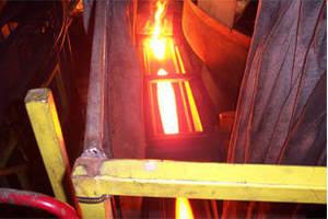 Conveyor optimizes dry slag cooling.