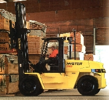 Side-Tilting Cab improves serviceability of lift trucks.