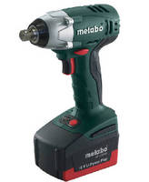 Impact Wrench provides max torque of 1,947 lb-in.