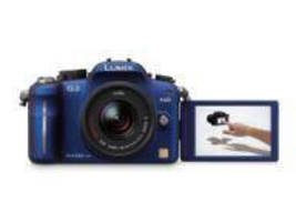 Interchangeable Lens Camera offers movable touchscreen LCD.