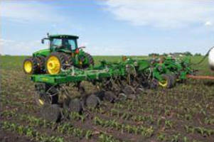 Anhydrous Fertilizer Applicator delivers 3-season use.