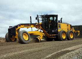 Articulated Road Grader provides max horsepower of 218.