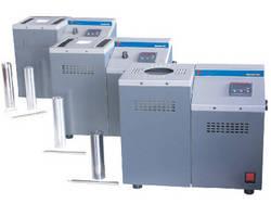 Portable Dry Block Calibrator operates in field and laboratory.