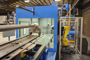 Robotic Pressure-Blast System features 7-axis rotary design.