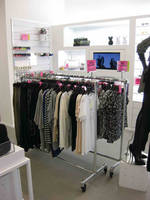 Hollaender® Manufacturing Chosen to Provide Industrial Chic Retail Garment Rack System