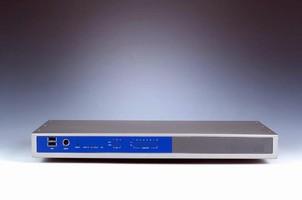 Industrial PC features Celeron 400 MHz processor.