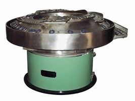 Elscint Vibratory Bowl Feeders for Assembly of Screws and Washers