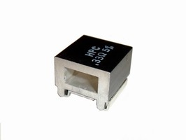 SMD Resistor features heat sink to provide 600 V isolation.