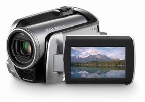 Panasonic Launches SD Video Camera Series Equipped with 30 GB HDD for Longer Recording Time