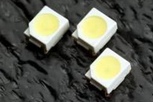 SMD LED features typical luminosity of 1,500 mcd at 20 mA.