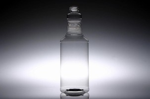 Carafe PET Bottles are offered in 16 and 32 oz versions.