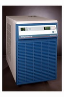 Chillers provide up to 2,900 W/9.889 Btu/hr of heat removal.
