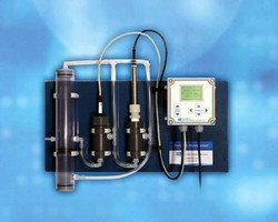 Chlorine Analyzer has pre-wired, panel mount design.