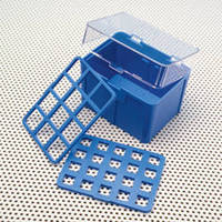 Laboratory Storage Box is made of polycarbonate.