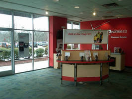 T2 Fixtures from Walls + Forms Enable Flexible Yet Economical Store Conversion from Alltel to Verizon Wireless