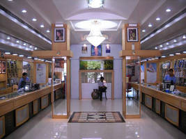 GlacialLight's LED Lights Result in over 72% in Electrical Savings for Kothrud, India Showroom