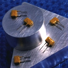 Resettable Switch provides overcurrent protection.