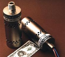 Gas Detector senses 70 hydrocarbon gases.
