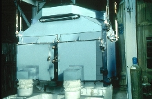 Vibratory Screeners sort materials as fine as 200 microns.