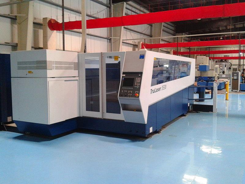 A 4 kW CO2 laser cutting machine at work. Credit: S zillayali at Wikipedia